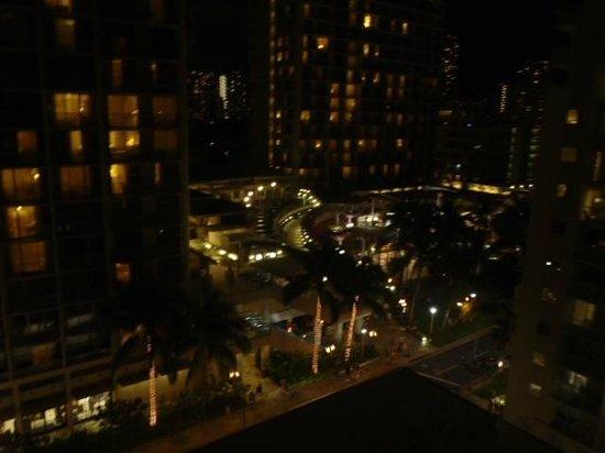The Imperial Hawaii Resort at Waikiki: 3階のジャグジーからの眺め
