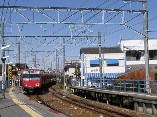 Masuzaemon: 名鉄電車で行くと便利