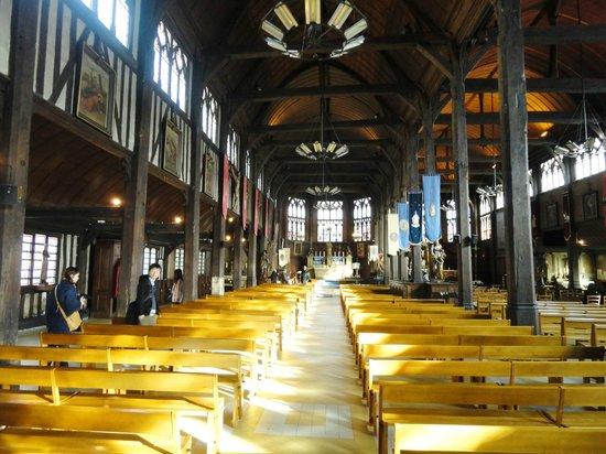 Église Sainte-Catherine : Great wood work