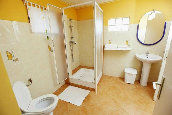 Mantasoa Lodge : Notre salle d'eau...