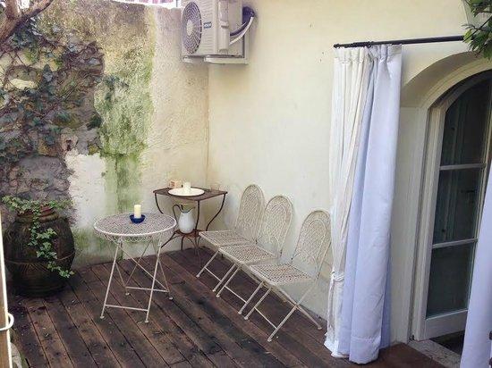 Casa & Natura Breviglieri: Primo accesso al giardino della camera