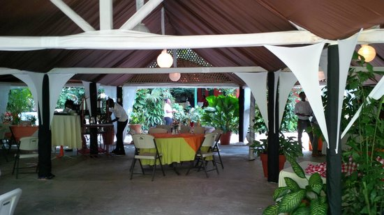 Boone Hall Oasis : main dining