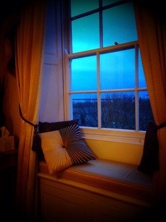 Martineau Guest House: An inspiring view at sunset from a beautiful bedroom
