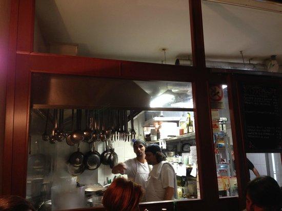Le Mani in Pasta : Шеф колдует на кухне