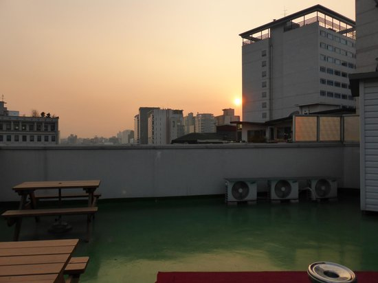 Boa travel house: Sunset from the rooftop