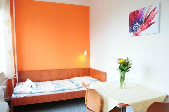 BEST Hotel Garni Olomouc: Twin room economy