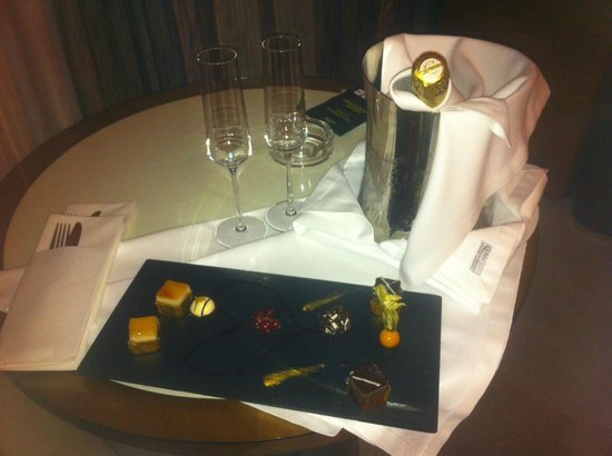 Sercotel Sorolla Palace Hotel: Detalle de Bienvenida-Oferta Romantica