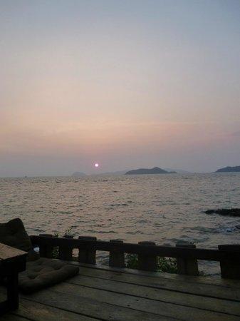 Banana Sunset - Bar and Bungalows: The sunset