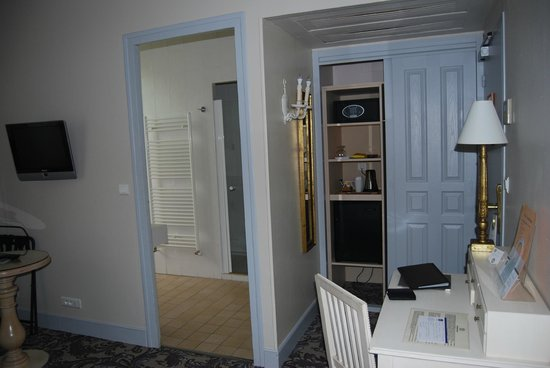 Best Western Le Donjon Les Remparts: Dormitorio