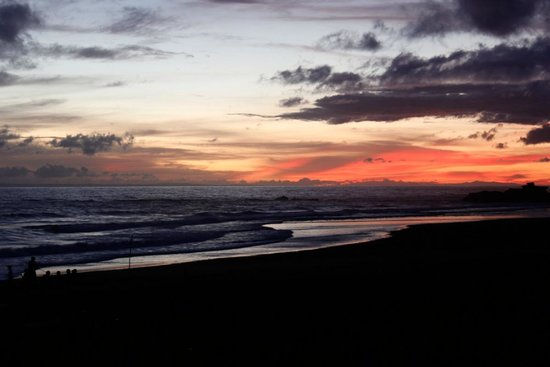 Pondok Pitaya: Hotel, Surfing and Yoga: Sunset from Pondok Pitaya