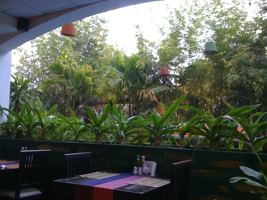Boutique Cambo Hotel : view from restaurant