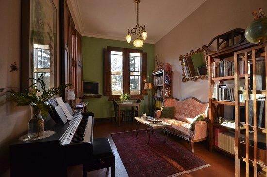 Hotel can Garay: Library