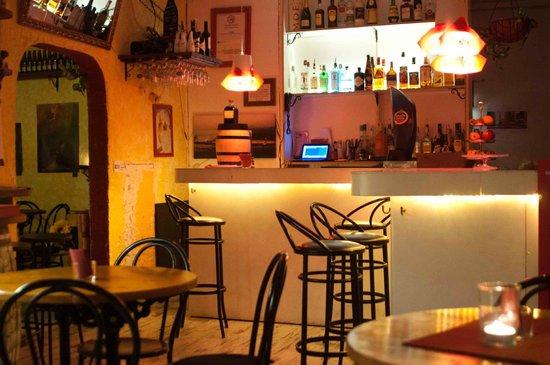 Bar Celoneta Sangria Bar: what an ambience!