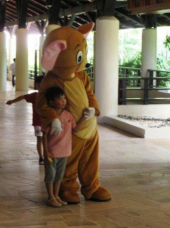 Shangri-La's Tanjung Aru Resort & Spa: Family Friendly Staff