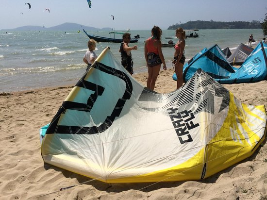 Kite Zone Phuket : CrazyFly equipment used at school