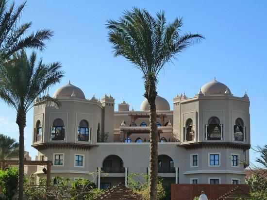The Makadi Palace Hotel: Территория.