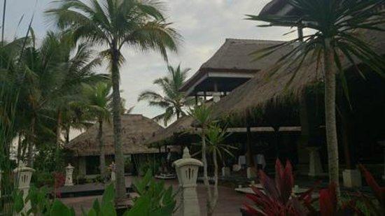 The Ubud Village Resort & Spa: レストラン