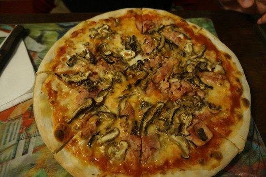 La Dolce Vita : Pizza Regina