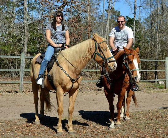 Wampee Stables : Before the trail ride began