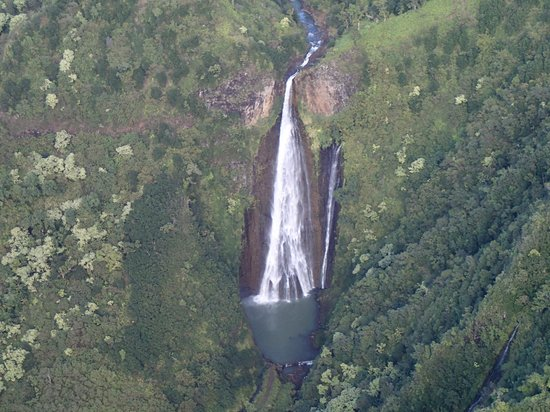 Jack Harter Helicopters - Tours: view from the chopper of Jurassic falls