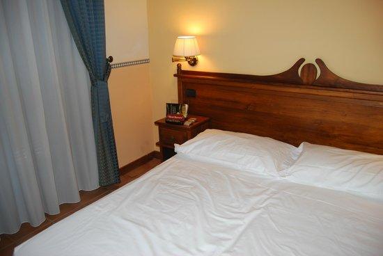 Hotel Il Barocco: Cama