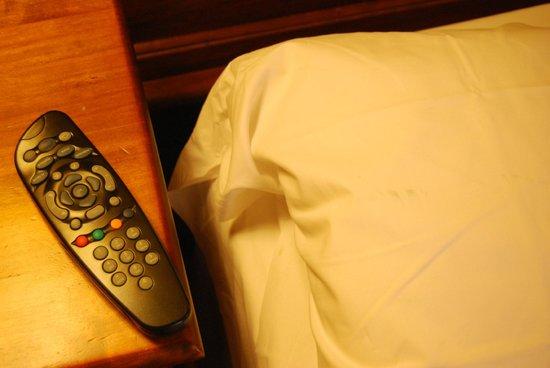 Hotel Il Barocco: Suciedad almohada