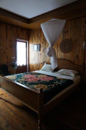 Golden Empress Hotel: Chambre