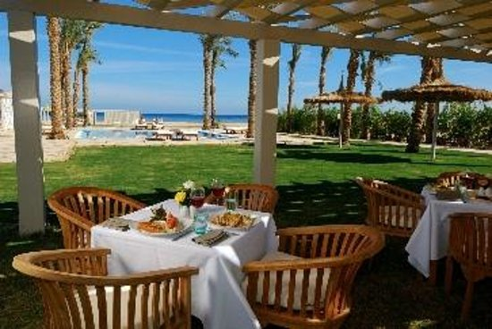Premier Le Reve Hotel & Spa (Adults Only): Beach