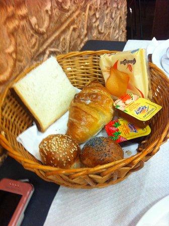 Hotel Terminal: valuable breakfast