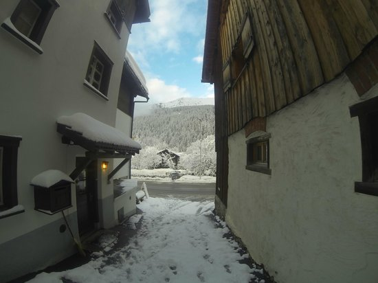 Adventure Hostel Klosters : First thing you see when you leave the hostel