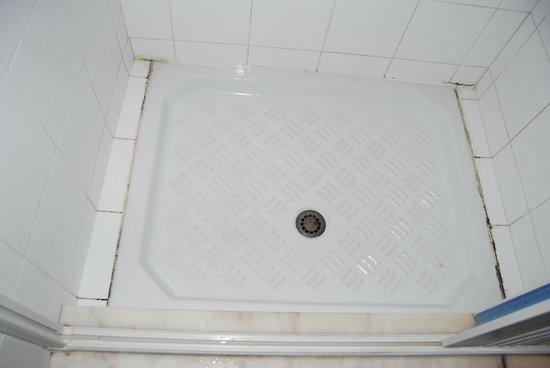 Hotel Sicilia : Mejor No ducharse