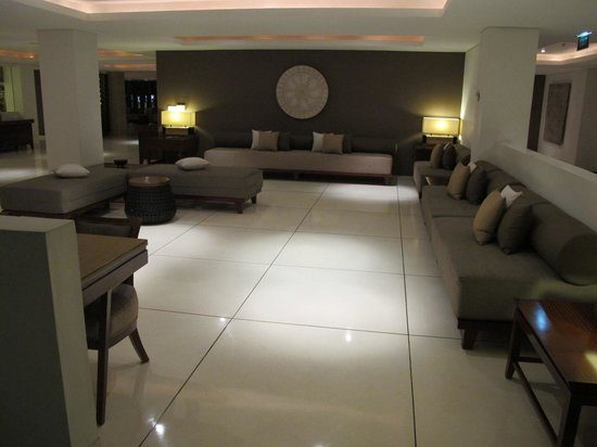 The Magani Hotel and Spa: foyer