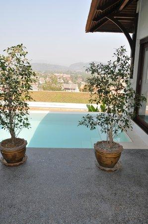 Luang Prabang View Hotel: Piscine privée d'une suite