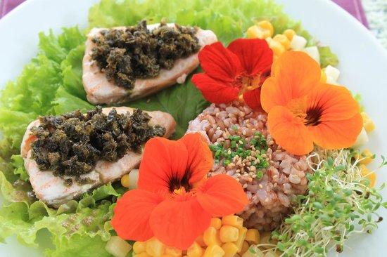 Eve's Garden: Steamed Norwegian salmon with caper dresing
