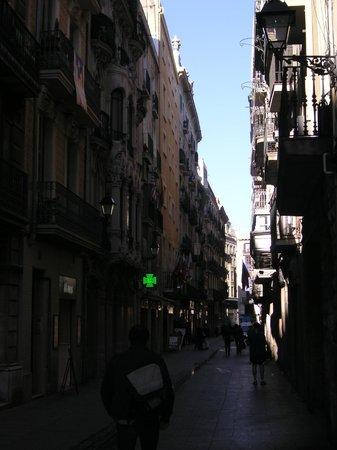 Hotel Cortes: Typische Gasse,die Calle SANTA ANNA