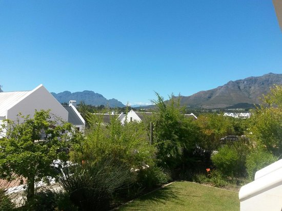 Winelands Golf Lodges : View over the reception.