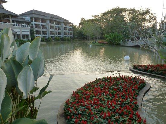 Le Meridien Chiang Rai Resort: Hotelanlage