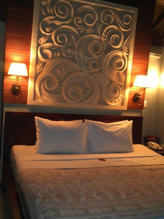 Bali Spirit Hotel and Spa: the bed