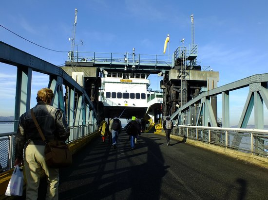 Washington State Ferries: Walking on board