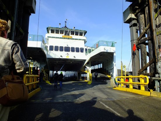 Washington State Ferries: Waliking aboard