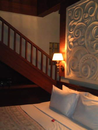 Bali Spirit Hotel and Spa: tantra suite staircase