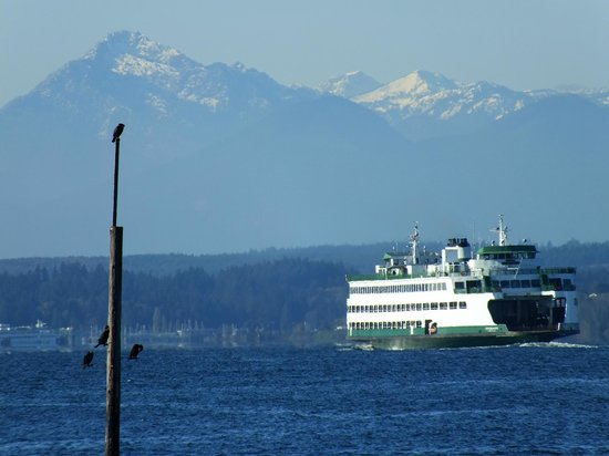 Washington State Ferries : Leaving Edmonds