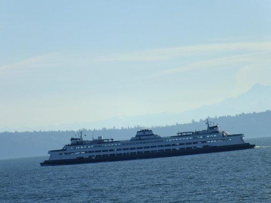 Washington State Ferries : Passing