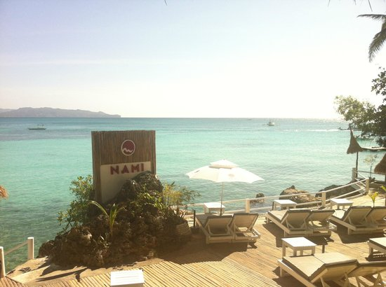 Nami Resort : The deck affords maximum sun exposure and easy access to the water