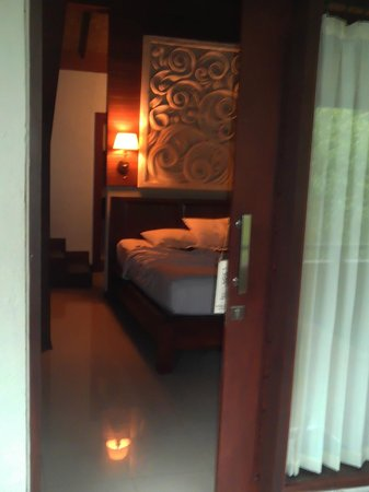 Bali Spirit Hotel and Spa: entrace to our romantic suite