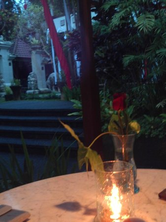 Bali Spirit Hotel and Spa: valentines day romantic dinner