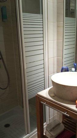 Timhotel Paris Gare de l'Est: bagno