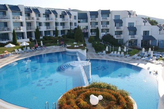 PrimaSol Sineva Park : Территория отеля