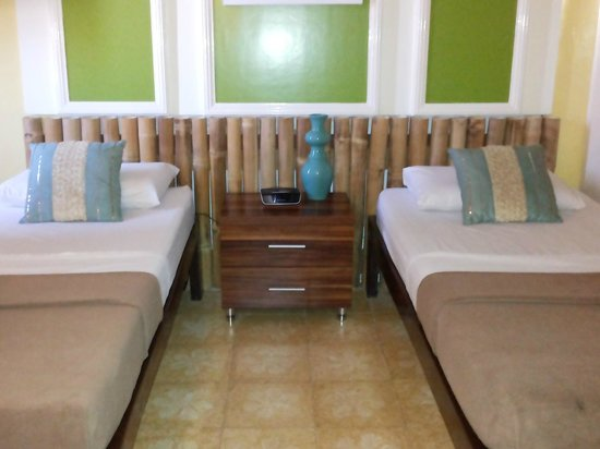 Island's Leisure Boutique Hotel and Spa - Dumaguete: beds