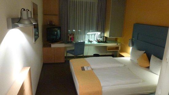 Mercure Hotel Düsseldorf City Nord: komfortables frisches Zimmer - modern und sauber